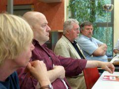 Die Sprecher des Kreisvorstands Lörrach der LINKEN (Bildmitte)