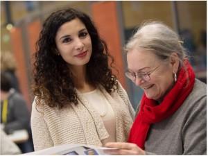 Steht in der Politik ihre Frau: Jessica Tatti (links), Kandidatin der Linken. FOTO: Gerlinde Trinkhaus