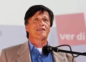 """Ulrich Maurer (67) war Vorsitzender der SPD Baden-Württemberg (1987–1999) und Fraktionschef (1992–2001), mit Wahlergebnissen bis zu 33 Prozent. Der """"rote Riese"""" ist 2005 aus der Partei ausgetreten und zur Linken gewechselt, für die er bis 2013 im Bundestag saß. Heute berät Maurer die Bundestagsfraktion der Linken sowie Gregor Gysi."""