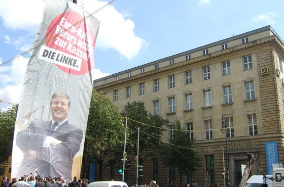 Euro-Krise Verursacher zur Kasse Bild die-linke.de